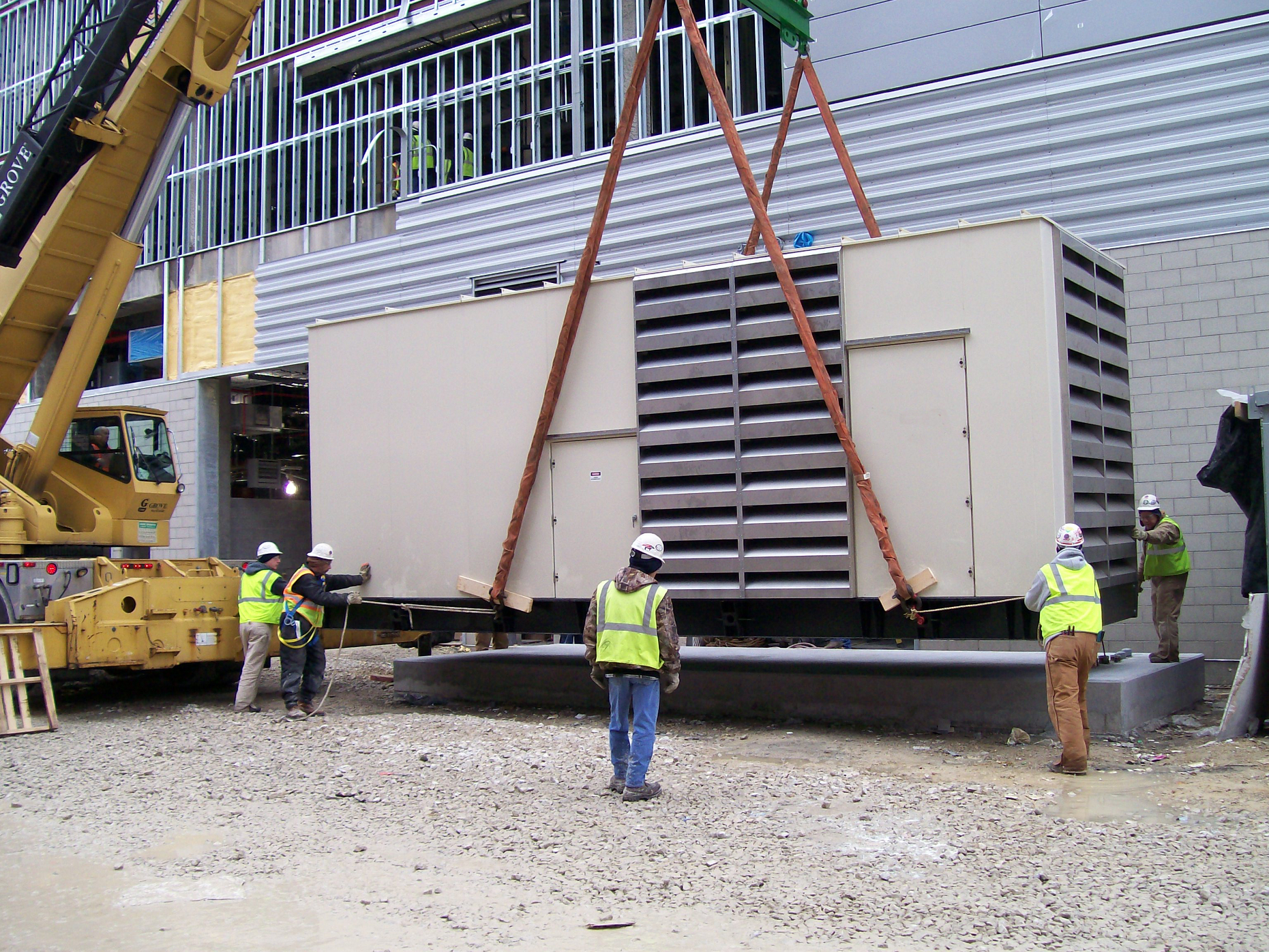 Installing 1250 kW Arena Power Generator